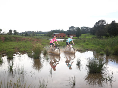 cycling1-kings-grant-accommodation-activities-birding-weddings-conferences